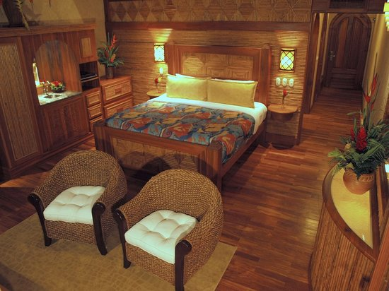 The Springs Resort and Spa at Arenal: Villa guest room