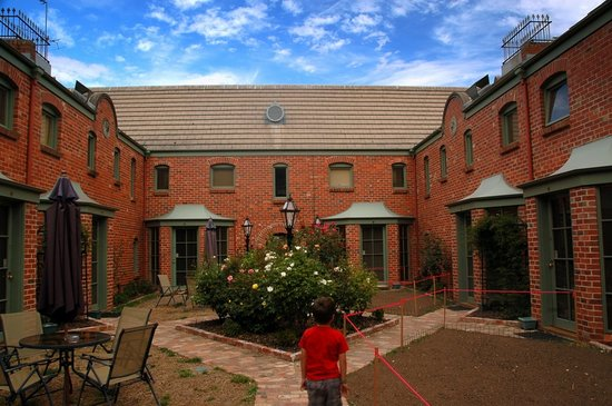 Ballarat, Australia: Exteriour courtyard
