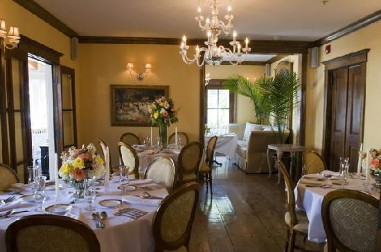 The Gables: The middle dinning room