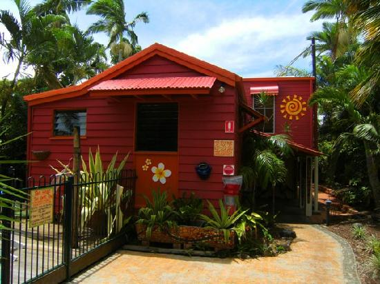 Travellers Oasis Backpackers: Rear House.....
