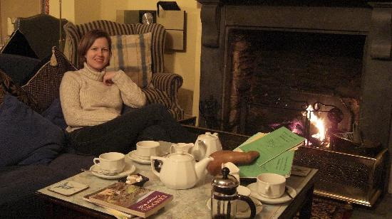 North Wheddon Farm: Cup of Tea infront of the Fireplace