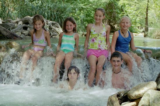 7A Ranch Resort: kiddos gather on the river infront of 7A for a picture