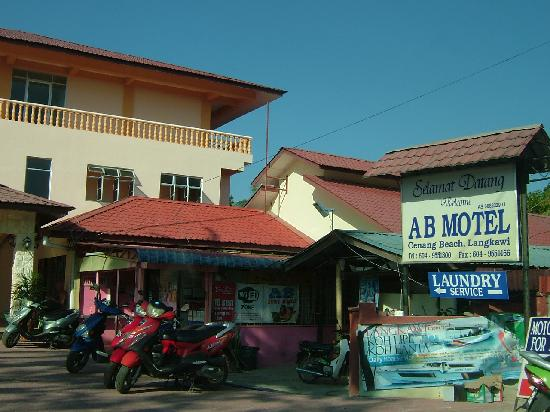 AB Motel: Bikes and cars can be rented here. Cheap.