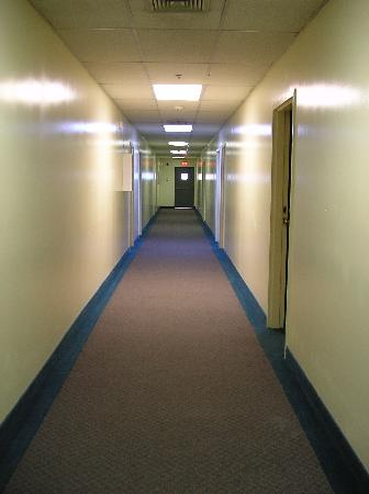 Nyack Motor Lodge: Hallway (2nd level)