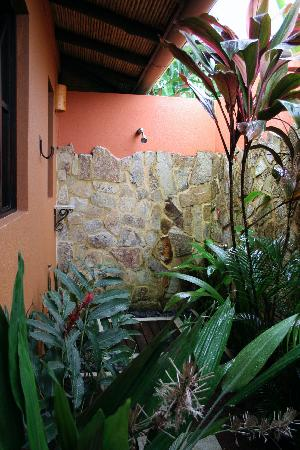 Nayara Hotel, Spa & Gardens: Outdoor Shower