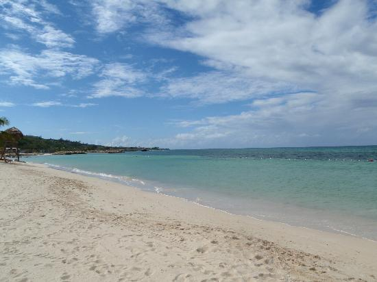 Iberostar Grand Rose Hall: The Beach in front of the hotel