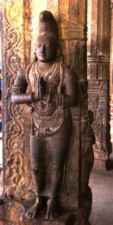 Tiruchirappalli, India: Sculpted figure