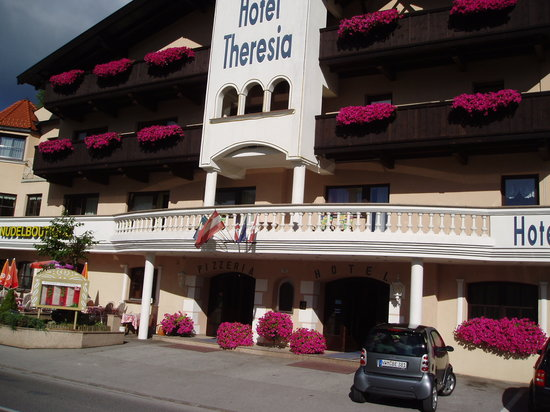 Photo of Hotel Theresia Seefeld