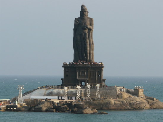 Photos of Thiruvalluvar Statue, Kanyakumari