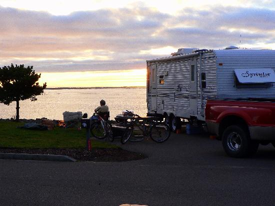 Winchester Bay RV Resort: Winchester Bay RV Re, waterfront sitesort