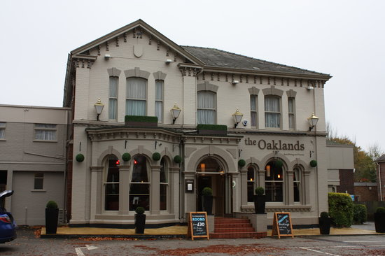 Oaklands Hotel