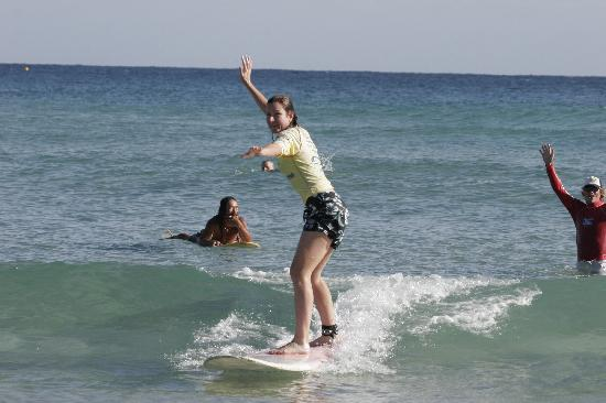 คูลังกัตตา, ออสเตรเลีย: Surfing Lesson, Greenmount Beach Coolangatta - Walkin On Water Surf School