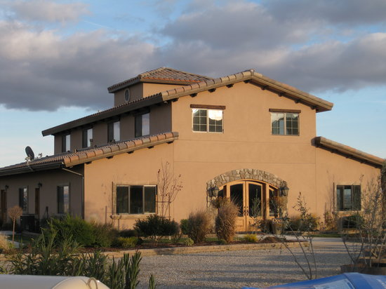 Photo of Villa Nel Mondo Bed & Breakfast Paso Robles
