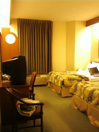 Sleep Inn Airport: Standard Room From Cell Phone 2