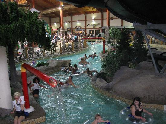 Fort Rapids Indoor Waterpark Resort: Lazy River