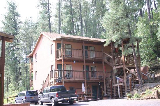 Canyon Creek Lodge: The guest house
