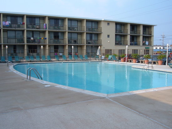 The Beachmark Motel: pool in 2006
