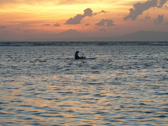 Early morning fishing at Nusa Dua