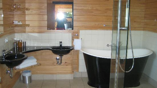 Westwood Lodge- A Select Hotel: Bathrom Room 7