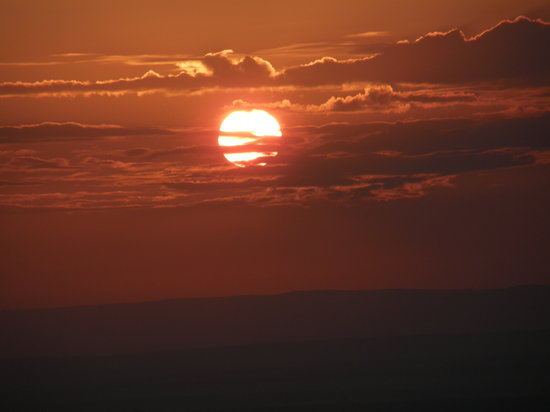 Masai Mara naturreservat, Kenya: Sunrise, as seen from Hot-Air baloon