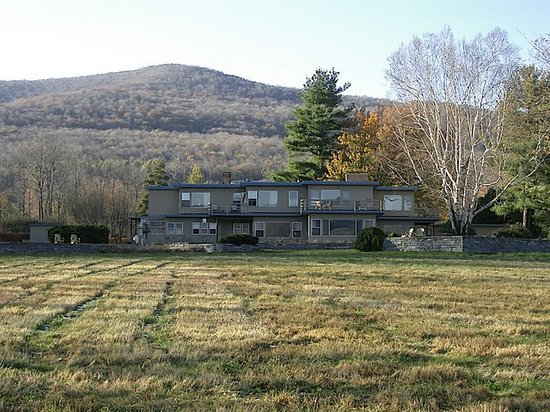 The Guest House at Field Farm: Back of the house