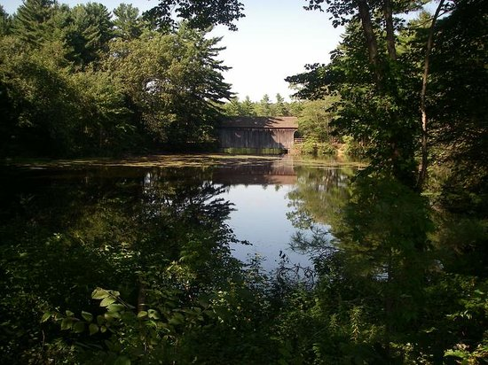 Sturbridge, MA: covered bridge