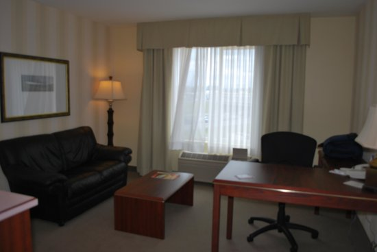 Phoenix Inn Suites, Beaverton: sitting area