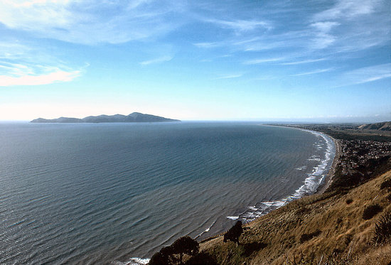 Wellington, Nya Zeeland: Kapiti Island from Paekakariki Hill