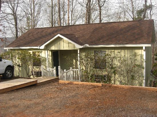 Mountain Top Lodge at Dahlonega: Cottage