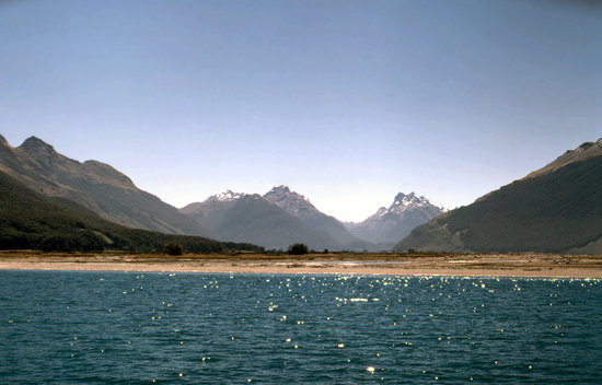 Queenstown, Nowa Zelandia: The Dart Valley and Lake Wakatipu