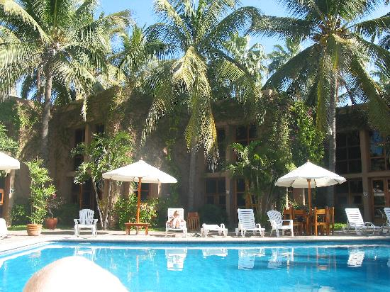 Villas El Rancho Green Resort: Pool area at El Rancho