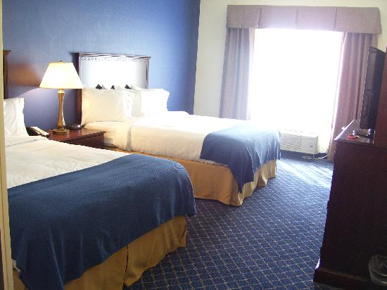 Holiday Inn Express Hotel &amp; Suites Andrews: Nice rooms