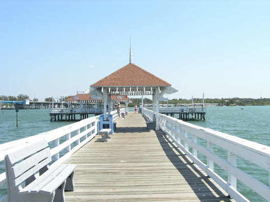 Holmes Beach, FL: Pier at Anna Maria