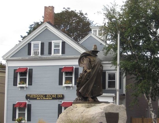Salem, MA: Nathaniel Hawthorne statue