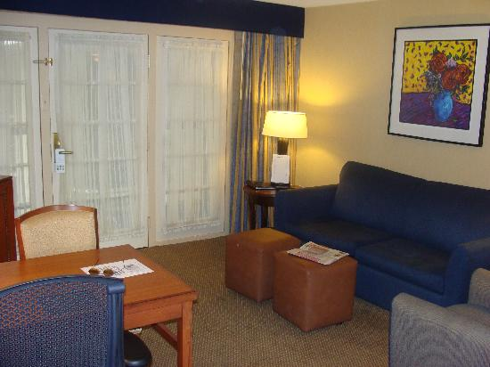 Embassy Suites Hotel San Antonio Northwest / I-10: Living Area 3