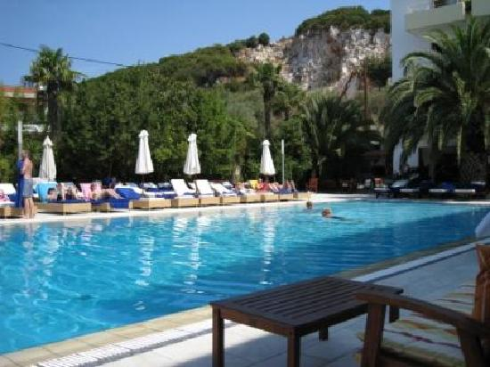 Hotel pool for La piscine skiathos
