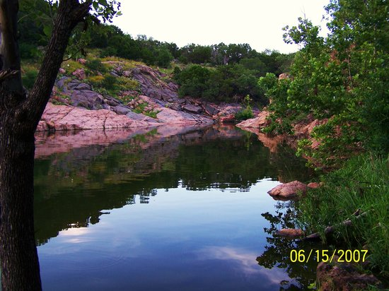 Devils Water Hole Inks Lake State Park