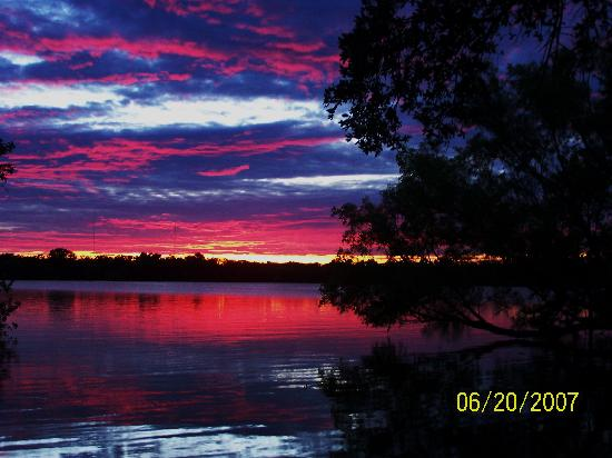 Burnet, TX: Sunset at Inks Lake