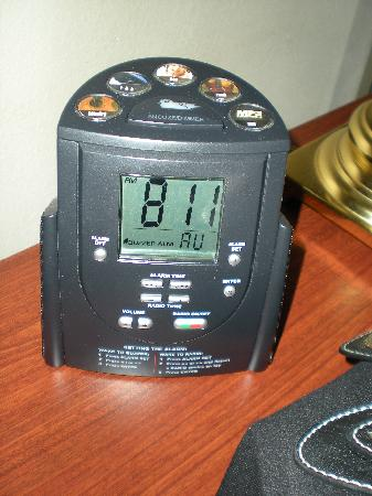 Homewood Suites by Hilton Nashville Brentwood: Alarm clock has AUX in jack for MP3 players