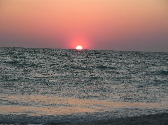 The Beach on Longboat Key: Sunset at Longboat Key March 20, 2009