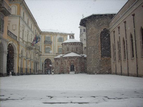 Biella&#39;s &#39;Battistero&#39; (11th century) under a heavy snowfall