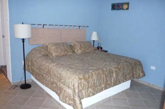 Villa Escondida Bed and Breakfast: Most comfortable bed ever, in the
