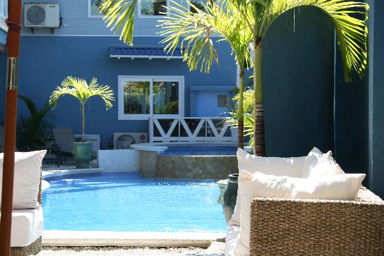 Hotel Playa Carmen: great pool next to snack bar 85/10
