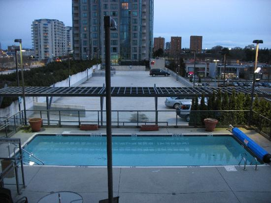 Rooftop Swimming Pool Picture Of Hilton Vancouver Airport Richmond Tripadvisor