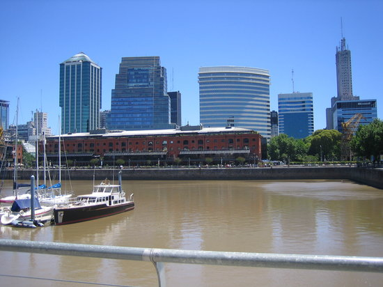 Buenos Aires, Argentine : Moderno Puerto Madero 