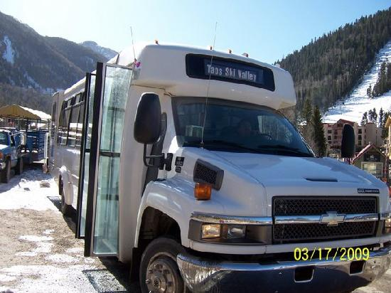 Hampton Inn Taos: Ski Valley Shuttle... Great Ride!