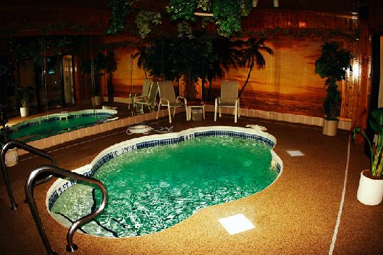 Sybaris Indianapolis: pool room