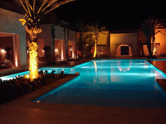 Piscine la nuit photo de tikida golf palace agadir for Piscine eclairee la nuit