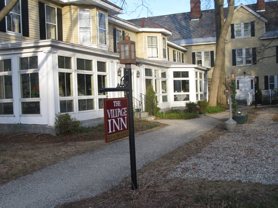 The Village Inn Bed and Breakfast: Front of Inn
