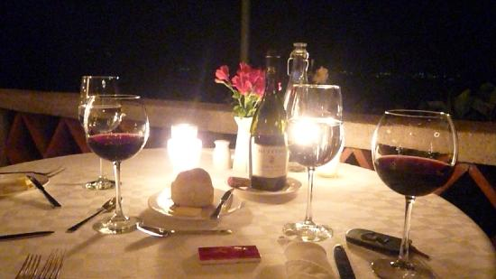WORLD EXCLUSIVE INTERVIEW TITO JACKSON ANGIE Candlelight-dinner